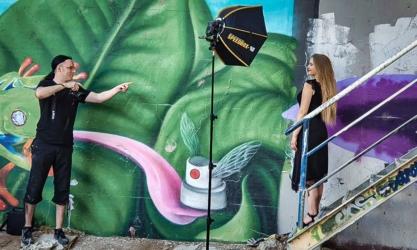 model heilbronn fotograf hochzeitsfotograf portrait shooting makingof 1 417x250 - Bildbearbeitung? Braucht man das?