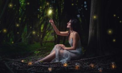 fantasy fotografie shooting fotograf hochzeitsfotograf heilbronn frau wald portrait frechefarben 4 417x250 - Fotoshooting in den Rapsfeldern von Heilbronn