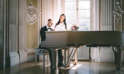 hochzeitsfotograf heilbronn hochzeit fotograf brautpaar frechefarben cover 1 417x250 - Kein Geld für einen Hochzeitsfotograf?